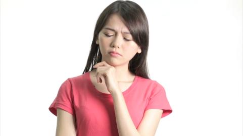chinese-woman-thinking_ek0gcsqw__F0000